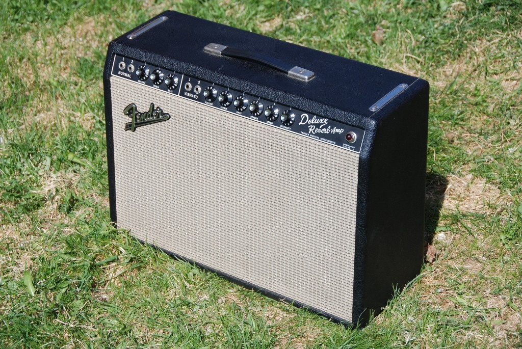 Deluxe Reverb_small 1024x685 bf sf deluxe reverb fenderguru com