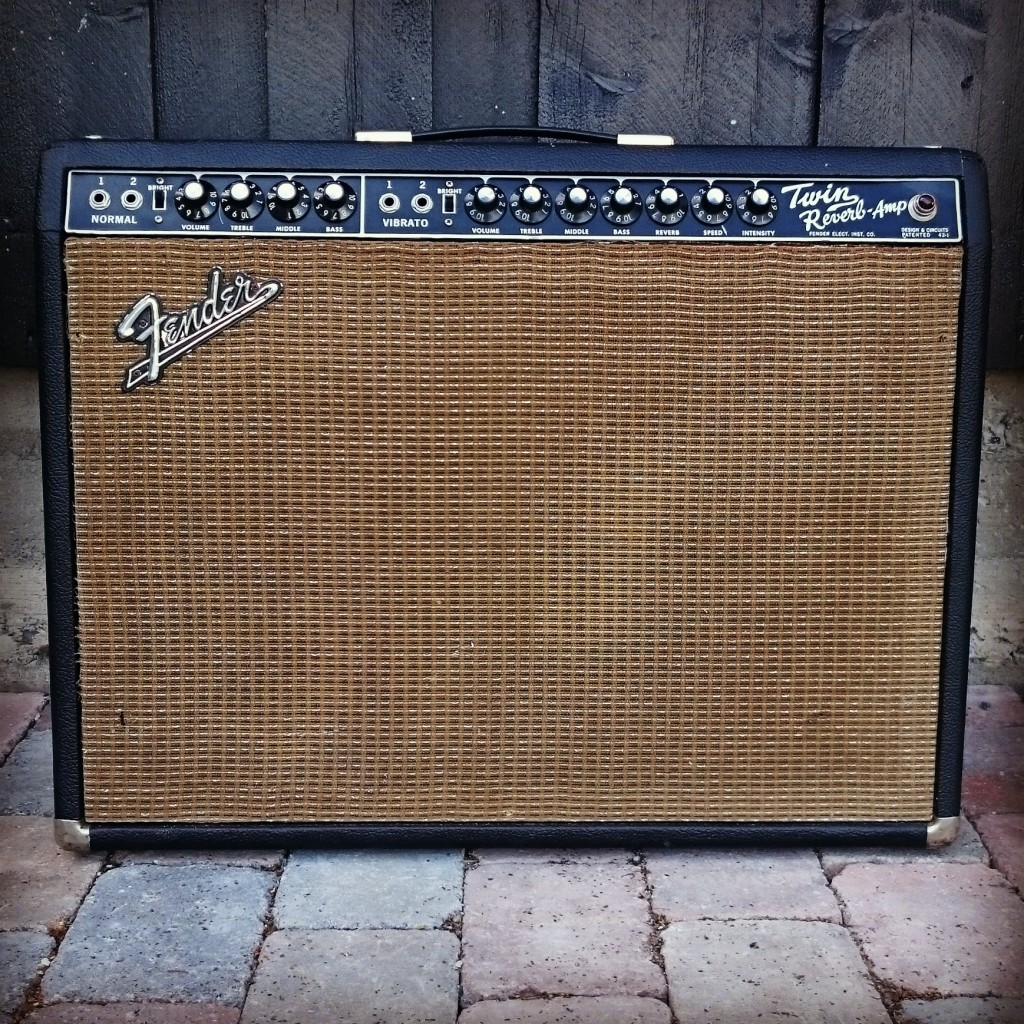 dating your fender amp Hvidovre